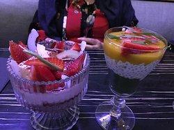 Desserts at Жизнь Замечательных Людей