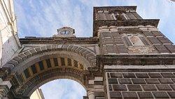 Arco Dell'Annunziata