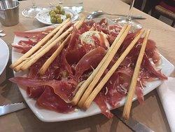 imagen Pizzeria Mondello en Oviedo