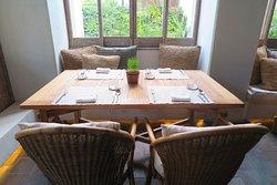 บรรยากาศภายในห้องอาหารแห่งนี้ครับ สบายๆ แบบ เป็นส่วนตัว เหมาะสำหรับ อาหารมื้อพิเศษ ครับ