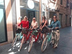 Dutch ladies on the bikes! :)
