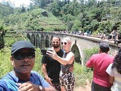 Negombo chauffeur guide At Ella nine arch brigge