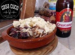 Taquitos de jamon iberico y queso viejo