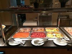 Perfektes englisches Frühstück, für andere Gäste gab es dann noch jeweils 2 Sorten Käse und Wurst.....