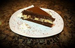 Tarta con ganache de chocolate y crema pastelera, toda casera y con huevos bio