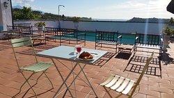Outdoor Breakfast in front of the pool