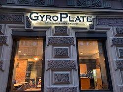 Гастропаб GyroPlate всегда готов удивить своих гостей оригинальным Гиросом или нежнейшими стейками