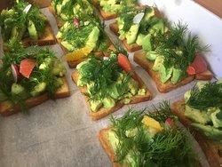 avocado dream toast