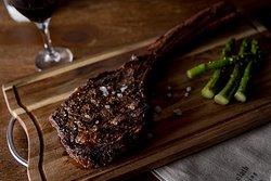 Long Bone Tomahawk steak for Two