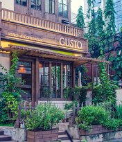 Gusto Bistro & Coffee House