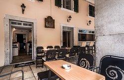 Kohlias Cafe | Exterior