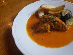 豚タンシチュー、バスク地方の郷土料理。 パンと一緒にお召し上がりいただくのがオススメです!!