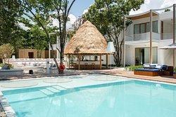 Garden Wing Pool / Pool Bar