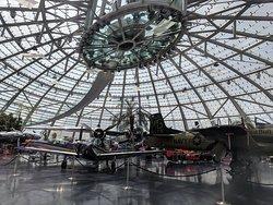 Red Bull Hangar 7 (vliegtuigen en F1 auto's)
