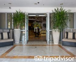 Entrance at the Hilton Bentley Miami/South Beach