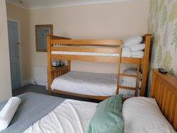 Family room en suite sleeps 4