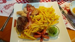 Steak-Trio mit Pommes und Bärlauchbutter