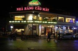 Nha Hang Cau May Sapa