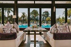 Vue donnant sur les piscines du Sofitel Rabat Jardin des Roses