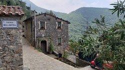 Scenic waterful hike near beautiful Camaiore Tuscany
