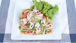 Thai Spicy glass Noodles Seafood Salad