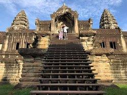 Angkor World Guide