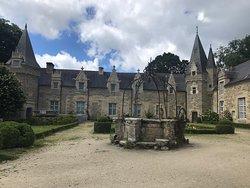 Mooi kasteel en kapel