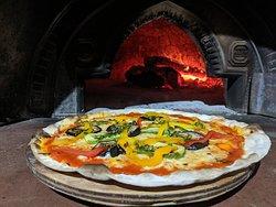 Pizza al horno de leña!