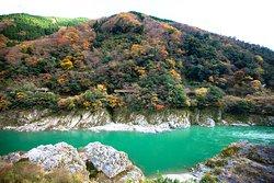 紅葉初期と吉野川
