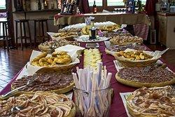 wine tasting con buffet prodotti territoriali ferraresi