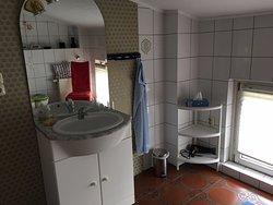 Sehr gute Lage, Service und Sauberkeit befriedigend.
