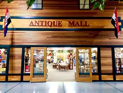 Plain & Fancy Antique Mall