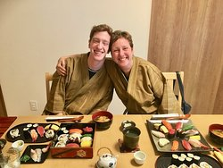 Extravaganza sushi making course! sushi with the guests