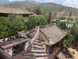 tour offered by hotel to 400 year old Buddhist temple