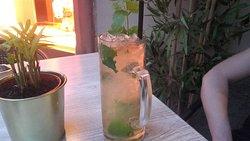 Il vero mojito si beve solo qui !!!!!!!  È da provare sia il mojito  classico non pestato e fatto con l 'havana club 3 , sia la versione moderna con il bacardi......wow 😊