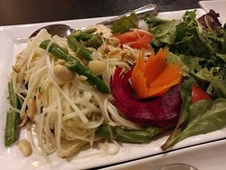 Papaya Salad at Alt Thai in Arlington Heights, IL (11/Apr/19).
