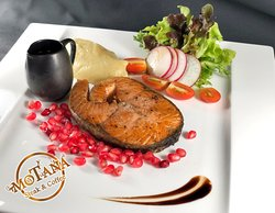 Grilled salmon with pomegranate balsamic / สเต็กแซลมอนราดซอสบัลซามิกทับทิม
