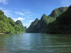 Ninh Binh of which Historical Land to be in Viet Nam . But , those are impressive Cultural , aesthetic and geology .
