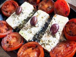 🔥🧀🍅🔥 Sizzling Feta and Tomato!