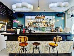 Un petit bar bistrot accueillant