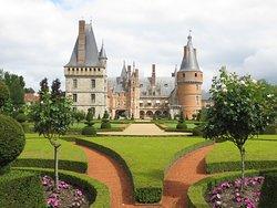 le splendide jardin juste à côté du château