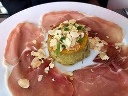 Le meilleur restaurant Italien!!! (Le cadre est très chaleureux, les plats sont délicieux et le service est 5 étoiles!)
