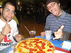 Pizza con amigos