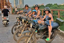 Hanoi Food, Culture, Sight and Fun on Vintage Motorcycle & Jeep Tours