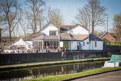The Bridge Pub and Dining