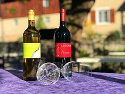 Schönenbucher Rot- und Weisswein