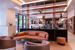 New Bar, Lounge & Workspace plaza