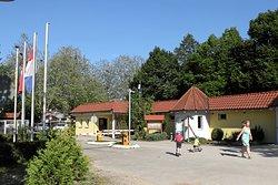 renovierte sanitäte Anlagen