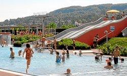 Schwimmbad nahe Campingplatz Lörrach