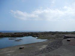 溶岩でできた海岸